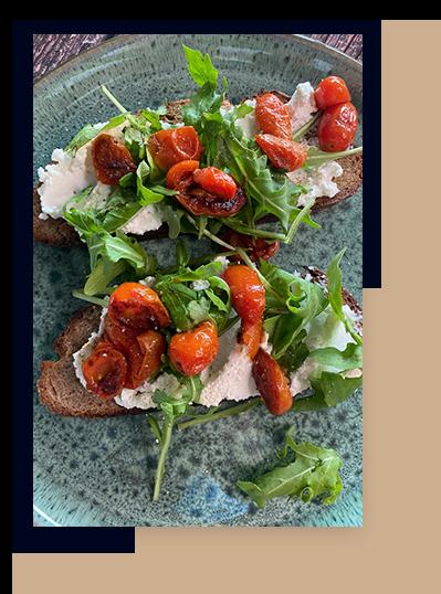 Ricott Brot mit Rucola und Tomaten