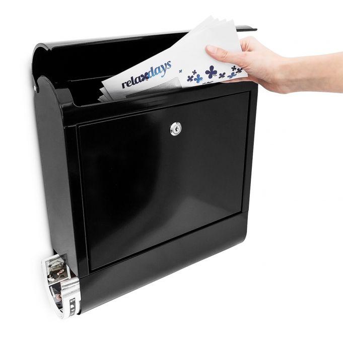 Briefkasten mit Zeitungsrolle Eisen2