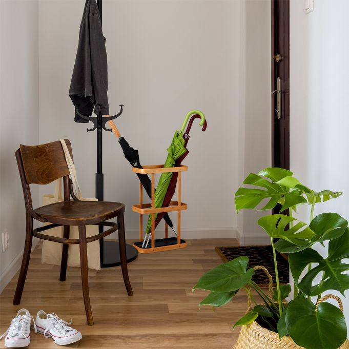Porte-parapluies en bois de bambou3