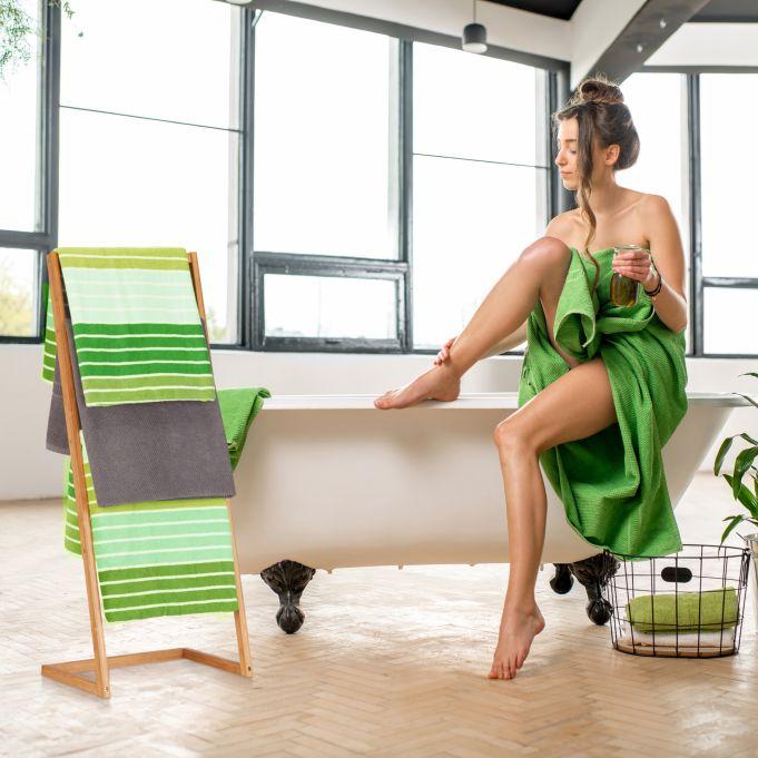Wieszak stojak ręczniki ubrania bambus2